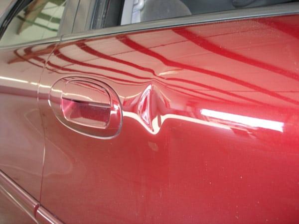 Riparare ammaccature auto parma quanto costa aggiustare for Quanto costa un garage per una macchina