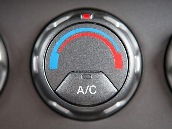 Quanto-costa-Ricarica-aria-condizionata-auto